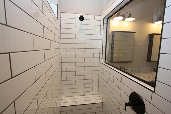 9293 (21) Master Bathroom.JPG