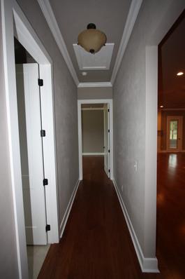 9273 (24) Hallway.JPG