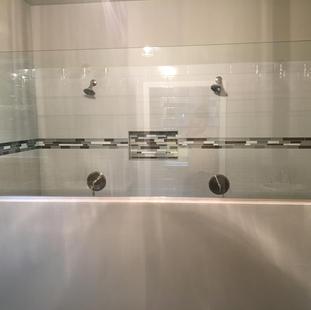 9290 (09) Master Bathroom.JPG