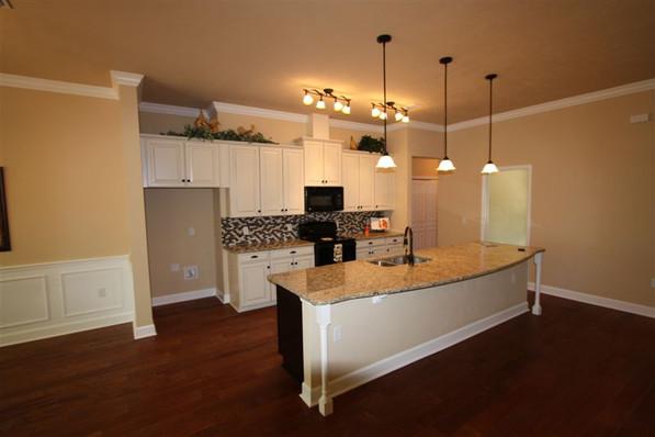 9242 (07) Kitchen.jpg
