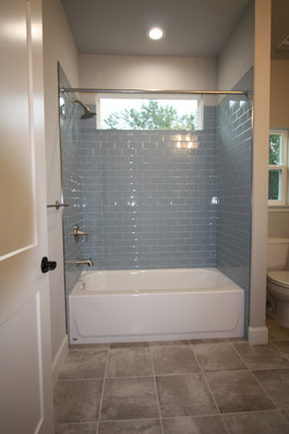 9316 (17) Bathroom 2.JPG