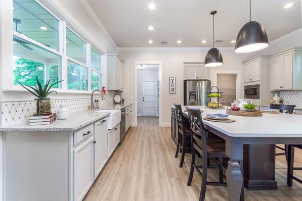 9315 (09) Kitchen (Left).JPG