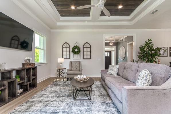 9315 (06) Living Room.JPG