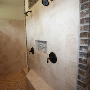 9280 (11) Master Bathroom.JPG