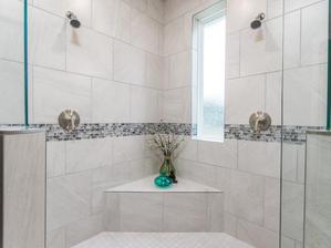 9318 Master Bathroom