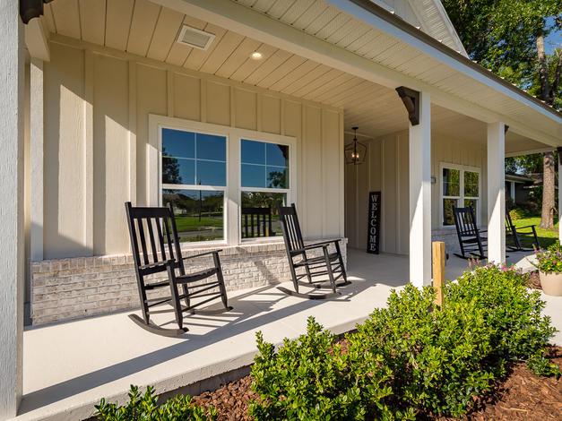 9315 Front Porch