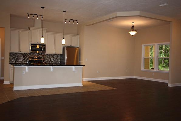 9253 West Palm (06) Kitchen.JPG