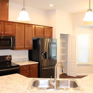 9281 (03) Kitchen.JPG
