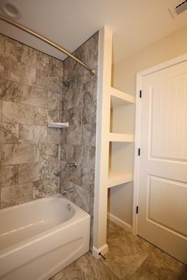9267 (21) Bathroom 3.JPG