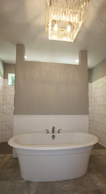 9299 (15) Master Bathroom.jpg