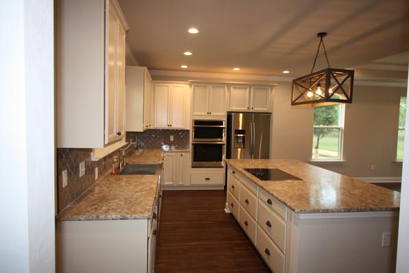 9293 (10) Kitchen.JPG