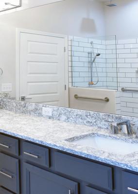 9321 (10) Bathroom 2.jpg