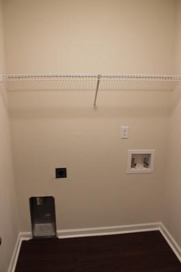 9281 (11) Laundry Room.JPG