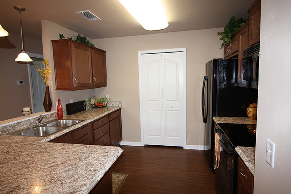 1057 Kitchen