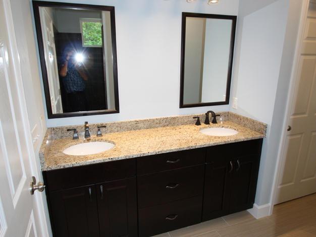9246 Amelia (12) Master Bathroom Vanity.