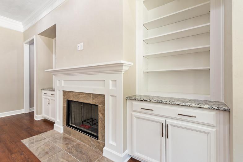 9320 (10) Fireplace.JPG