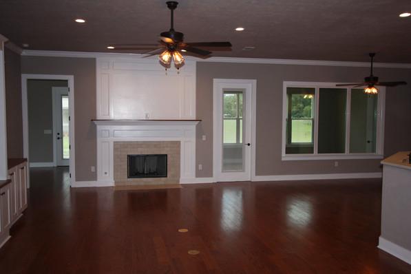 9273 (04) Living Room.JPG