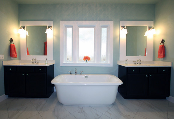 9262 (08) Master Bathroom.JPG