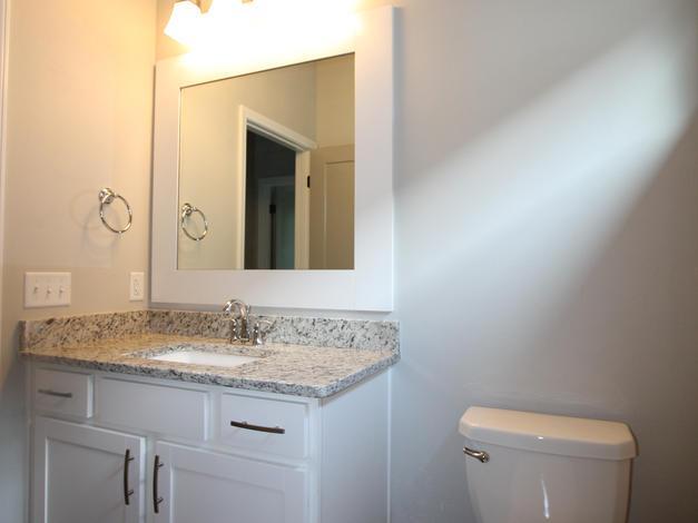 9289 Bathroom