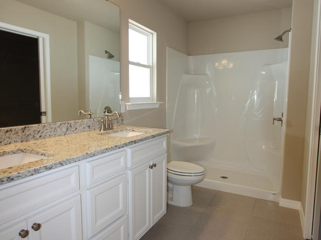 9270 Master Bathroom