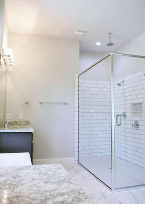 9321 (09) Master Bathroom.jpg