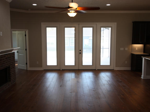 9261 Living Room and Patio Doors