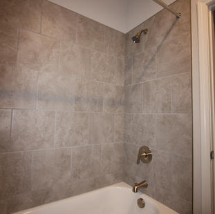 9319 (07) Bathroom 2.JPG
