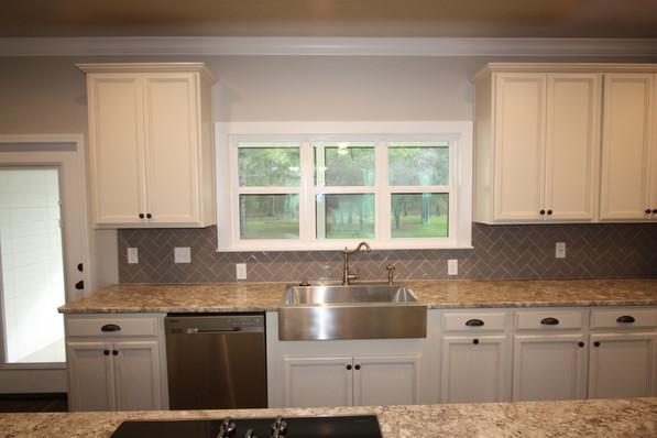 9293 (08) Kitchen.JPG