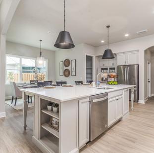 9323 (08) Kitchen.jpg