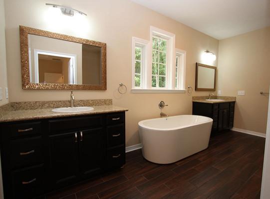 9253 West Palm (12) Master Bathroom.JPG