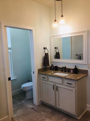 9292 (18) Master Bathroom.jpg