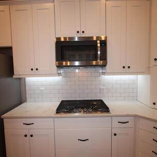 9273 (13) Kitchen.JPG