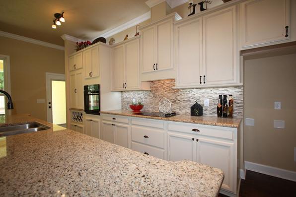 9252 (12) Kitchen.JPG