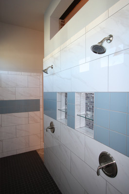 9261 (18) Master Bathroom Shower.JPG