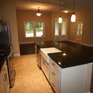 9253 West Palm (08) Kitchen.JPG