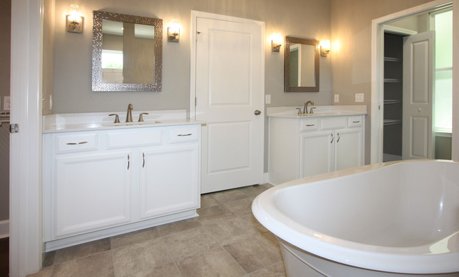 9299 (00) Master Bathroom.jpg
