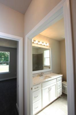 9295 (19) Bathroom 2.JPG