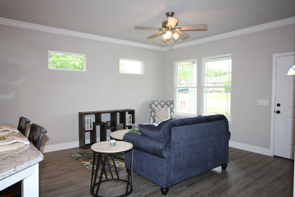 9296 (03) Living Room.JPG