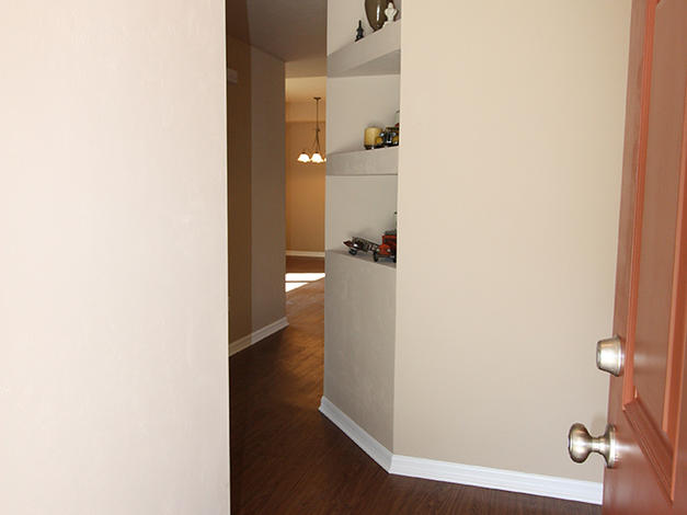 1057 Foyer