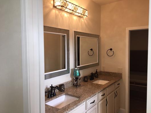9292 (24) Bathroom 2.JPG