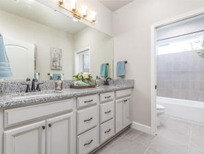 Augusta 24 Bathroom 3