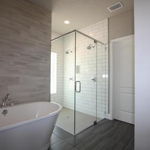 9310 (09) Master Bathroom.JPG
