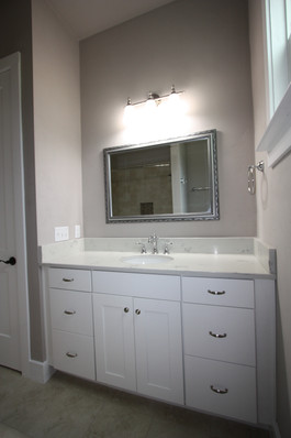 9273 (25) Bathroom 2.JPG