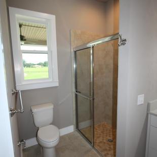 9273 (30) Bathroom 3.JPG