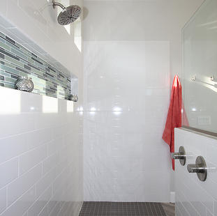 9260 (19) Master Bathroom Shower.JPG