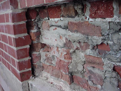 cavity between face and backup brick.jpg