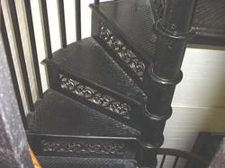 33CPW spiral iron treads w deco risers.JPG