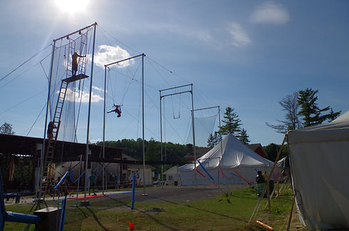 Installation de camp de gymnastique cheerleading Trapèze GymRep Cheer-Rep ParkourRep DanseRep Camps Rep