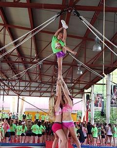 Camp de vacance cheerleading. cheerleaders en actions. CheerRep, Québec canada