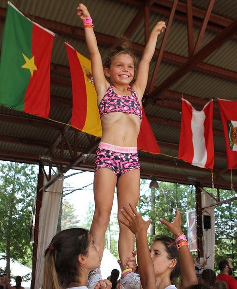 Camp de vacances chearleadin CheerRep. Chearleadeur en action Quebec Canada